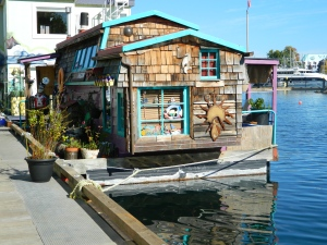 A Floating House at Fishermans Wharf